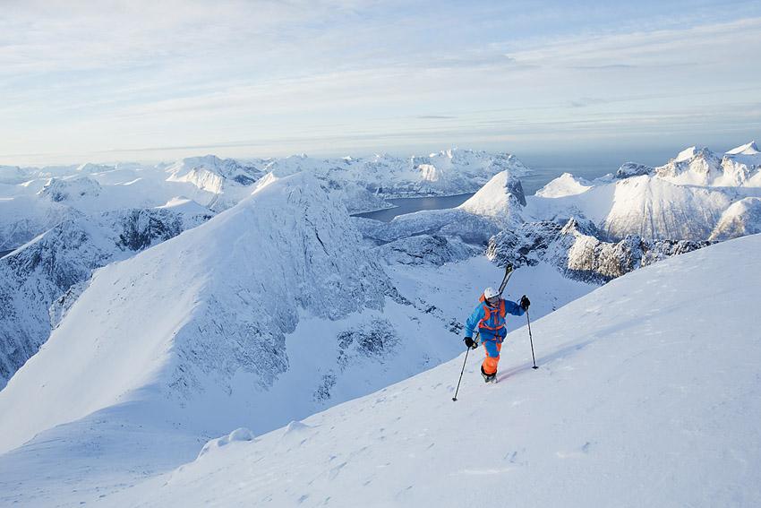 Himalaya, fast i Norge. Oscar Hübinette närmar sig toppen ab Keipen.