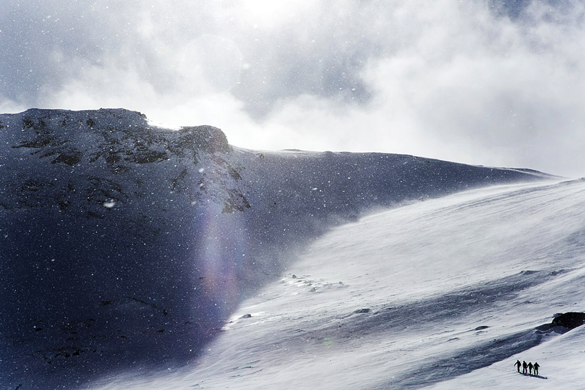 Blåsigt väder på klassiska toppturen Vassechohkka.