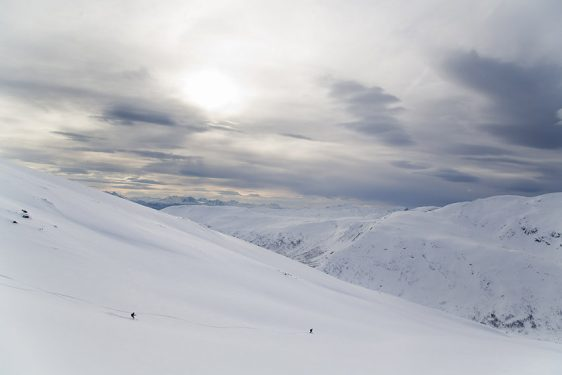 Svanfjellet, via västra sidan