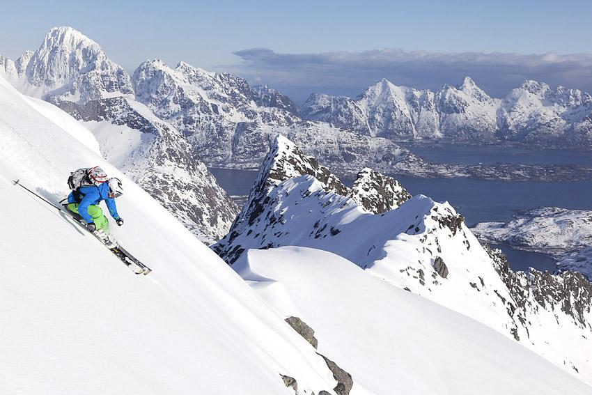 Bildtext här. Karine Falck Pedersen på väg ner från Rundfjellet.