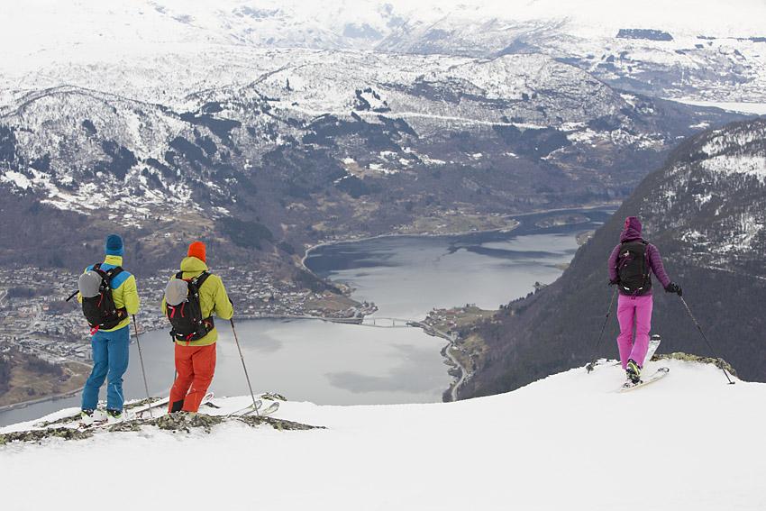 Utsikten ner mot Sogndal från toppen av XXXXX.